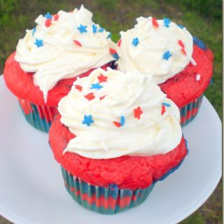 Happy Fourth of July: Red, White, and Blue Cupcakes