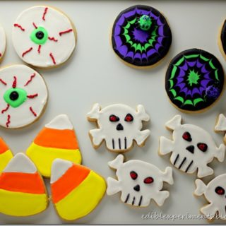 Spooky Halloween Sugar Cookies & How to Ice Spider Web Cookies
