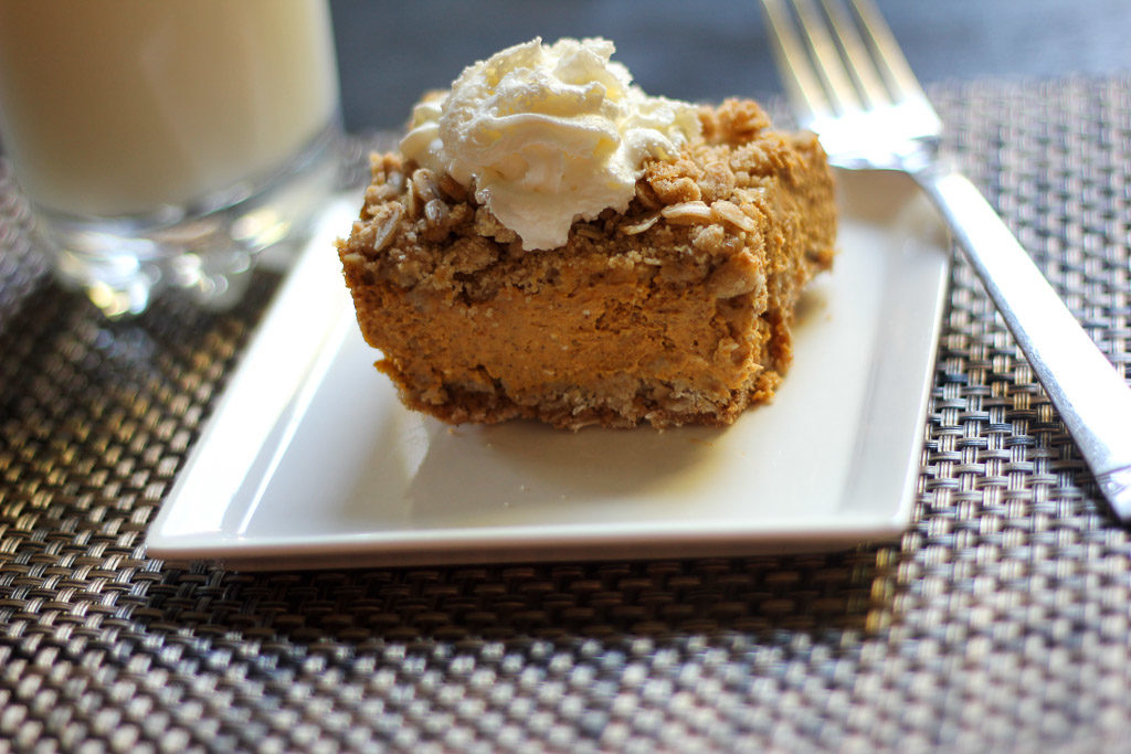 Pumpkin Pie Oat Crumble Bars